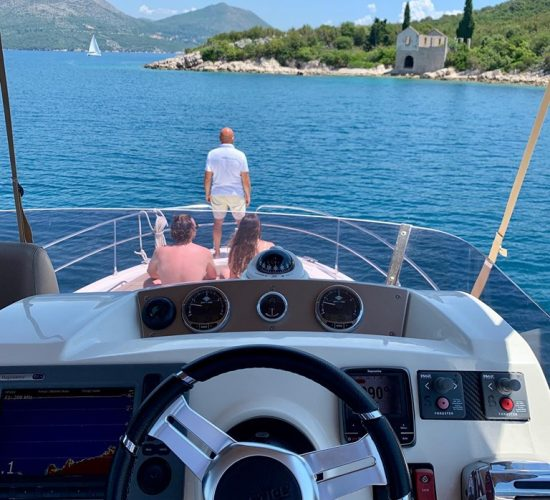 heading to the island with amica yacht